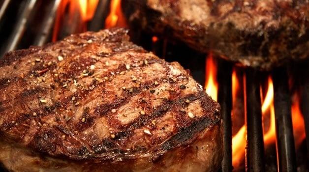 ¿Qué carnes tiene una parrillada?
