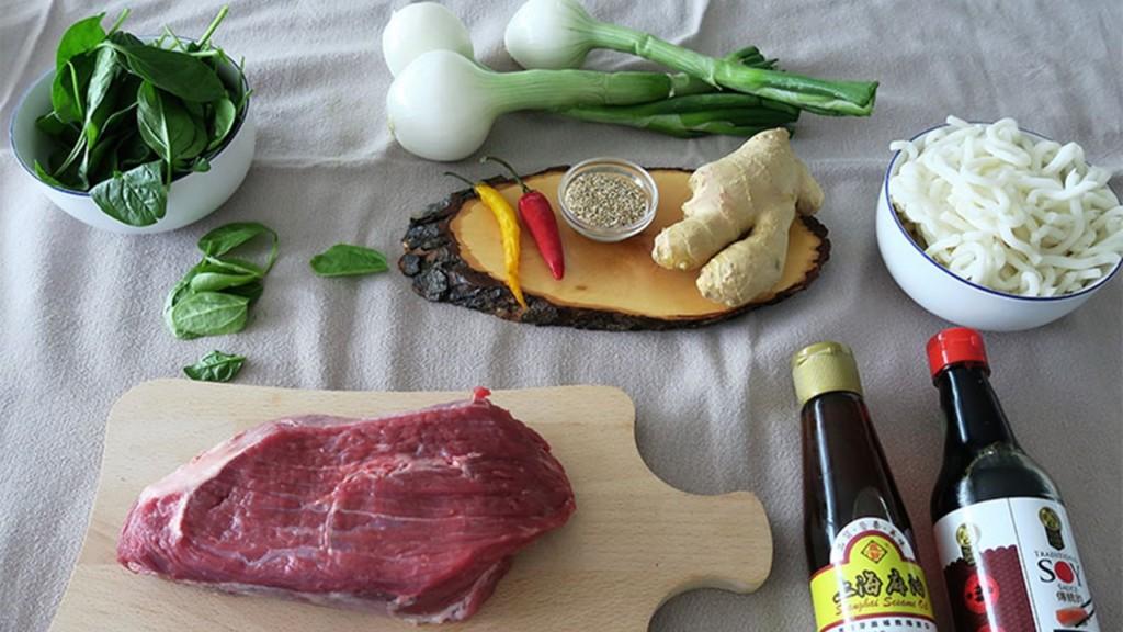 tallarines con ternera y verduras