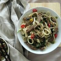 fideos con ternera y verduras